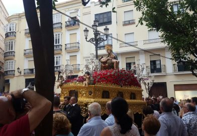 El Cristo del Caminito sufre un golpe de calor en la Magna de Cádiz