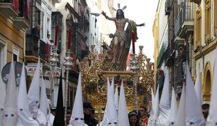 Histórico: Toda Sevilla saldrá en La Resurrección